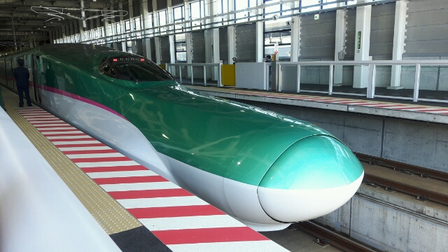 北海道新幹線に初乗りして新函館北斗へ